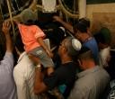 ילד נוגע בקבר יום כיפור קטן ראש חודש אלול תשע
