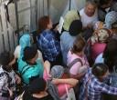 נשים מנסות להיכנס לאולם התפילה יום כיפור קטן ראש חודש אלול תשע